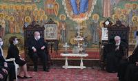 Mes prières vont aux parents et aux familles qui pleurent la perte de leurs enfants. Le Président Armen Sarkissian a été accueilli par le Catholicos-Patriarche de toute la Géorgie, Ilia II