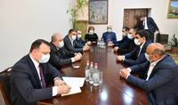 Я приехал, чтобы своими глазами увидеть то, о чём слышу – Президент Армен Саркисян в мэрии Гориса встретился с руководителями ряда общин