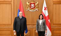 Մենք պատասխանատվություն ենք կրում հայ և վրացի ժողովուրդների գալիք սերունդների միջև հարաբերությունների ձևավորման համար. նախագահ Արմեն Սարգսյանը նամակ է հղել Վրաստանի նախագահ Սալոմե Զուրաբիշվիլիին