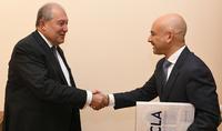 Президент Армен Саркисян направил благодарственные письма известным американским армянам Эрику Эсраиляну, Ким Кардашян и Шерелин Саргсян