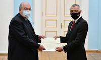Les relations entre l'Arménie et la Bulgarie ont toujours été construites sur la base d'une amitié historique et sur des liens culturels forts. Le nouvel ambassadeur de la Bulgarie a présenté ses lettres de créance au Président Armen Sarkissian.