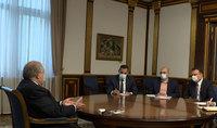 Le président de la République Armen Sarkissian a discuté avec le directeur exécutif du Fonds panarménien Hayastan de la possibilité de mettre en œuvre des programmes dans la région de Syunik