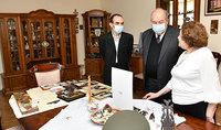 Նա ոչ միայն հերոս էր, լեգենդար հրամանատար, այլև նախ և առաջ ազնիվ մտավորական և պարզ մարդ. նախագահ Սարգսյանն այցելել է Արցախի հերոս, գեներալ-մայոր Արկադի Տեր-Թադևոսյանի ընտանիքին