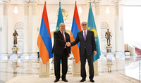 Le Président de la République du Kazakhstan Kassym-Jomart Tokayev et le premier Président du pays Nazarbaïev ont envoyé des messages de félicitations au Président Armen Sarkissian à l'occasion de l'anniversaire de la victoire dans la Seconde guerre mondiale