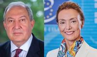 Le Conseil de l'Europe fera tout ce qui est possible dans le cadre de son mandat pour soulever les questions humanitaires et de droits de l'homme. La Secrétaire générale du Conseil de l'Europe a répondu à la lettre du Président Armen Sarkissian.