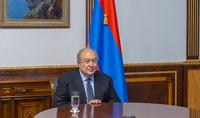 Le Président Armen Sarkissian a participé à une réunion en ligne des membres du Conseil consultatif FAST