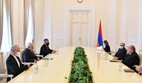 В создавшихся в регионе сложных условиях чрезвычайно важным стало ещё большее углубление армяно-иранских отношений – Президент Армен Саркисян принял Министра ИД Ирана