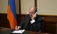 Президент Армен Саркисян провёл телефонный разговор с врио Министра обороны РА Вагаршаком Арутюняном