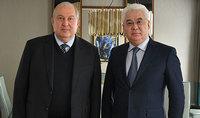 Անհրաժեշտ է աշխատել հստակ ծրագրերի մշակման ուղղությամբ. նախագահ Արմեն Սարգսյանը հանդիպել է Ղազախստանի արդյունաբերության և ենթակառուցվածքների նախարարի հետ