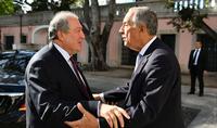Президент Армен Саркисян поздравил Президента Португалии с Национальным праздником
