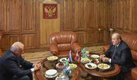 Накануне государственного праздника Российской Федерации Президент Армен Саркисян посетил Посольство РФ в Армении