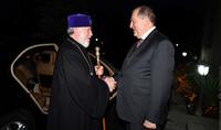 Le Président Armen Sarkissian a félicité le Catholicos de tous les Arméniens à l'occasion de son 70e anniversaire
