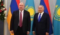 Le Président Armen Sarkissian a félicité le premier Président du Kazakhstan Nursultan Nazarbay à l'occasion de la Journée de la Constitution du pays