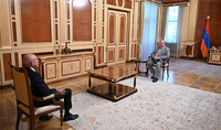 Le Président Armen Sarkissian a reçu l'Ambassadeur d'Allemagne à l'occasion de la conclusion de sa mission diplomatique en Arménie