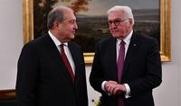 Je valorise grandement les efforts pour renforcer la coopération mutuellement bénéfique entre l'Arménie et l'Allemagne. Le président Sarkissian a envoyé un message de félicitations au président allemand Steinmeier