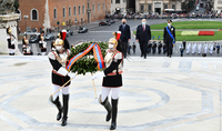 President Armen Sarkissian paid tribute at the Altar of the Fatherland in Piazza Venezia in Rome