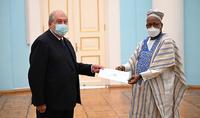The newly appointed Ambassador of Sierra Leone to Armenia Alie Badara Kamara presented his credentials to President Armen Sarkissian