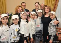 First Lady received the representative of Armenia at the Junior Eurovision 2009 Song contest Luara Hayrapetian