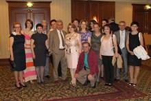 Супруга Президента РА Рита Саргсян присутствовала на благотворительной выставке-продаже подаренных известными армянскими художниками живописных холстов