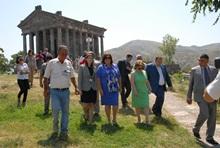 ՀՀ նախագահի տիկին Ռիտա Սարգսյանը և Լեհաստանի նախագահի տիկին Աննա Կոմորովսկան այցելել են Գառնի
