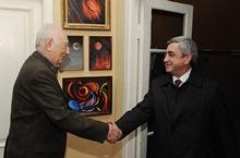 Серж Саргсян посетил академика НАН РА, общественного государственного деятеля Сергея Амбарцумяна
