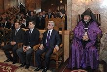Серж Саргсян присутствовал на Святой литургии Пасхального Сочельника