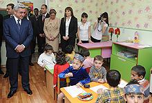 Serzh Sargsyan visited nursery-kindergarten n. 141 and Ararat food processing enterprise in Shengavit