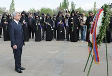 Серж Саргсян в связи с 97-ой годовщиной Геноцида армян посетил Цицернакаберд