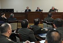 Президент  Серж Саргсян посетил Министерство обороны РА