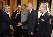 В связи с Днем России Серж Саргсян посетил посольство Российской Федерации в Республике Армения