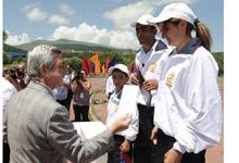 Президент наблюдал в Цахкадзоре соревнования финального тура конкурса «Лучшая спортивная семья-2012»