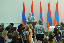 Serzh Sargsyan in Tsakhkadzor met with the representatives of the female members of the RPA