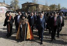 Президент в общине Ачапняк принял участие в закладке сверхсовременного онкологического центра и открытии новосозданного парка