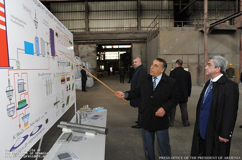 President sargsyan visited ararat food production factory for Ararat armenian cuisine