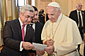 President Serzh Sargsyan and His Holiness Pope Francis at the ceremony of gift exchange at the Presidential Palace