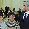 On the occasion of New Year and Christmas holidays President Serzh Sargsyan and Mrs. Rita Sargsyan receive at the Presidential Palace over three dozen large families residing in Yerevan-29.12.2011