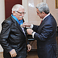 President Serzh Sargsyan decorates the USSR People's Artist Armen Jigarkhanian with the Order of Honor-18.11.2010