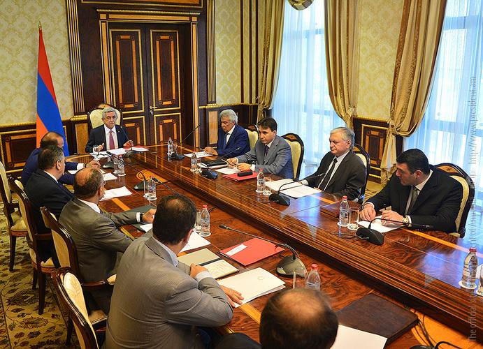 Նախագահ Սերժ Սարգսյանը Ազգային անվտանգության խորհրդի նիստ է անցկացրել