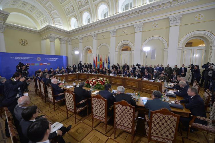 Главы стран-членов ОДКБ отбыли из Еревана