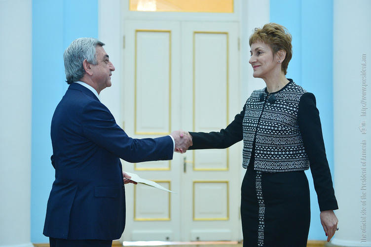 Президент Армении принял верительные грамоты посла Болгарии
