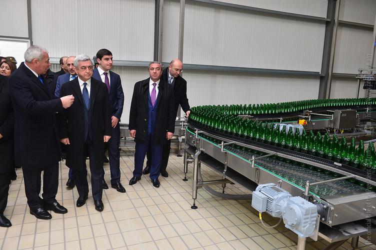 Президент Армении открыл обновлённый завод минеральной воды в Джермуке