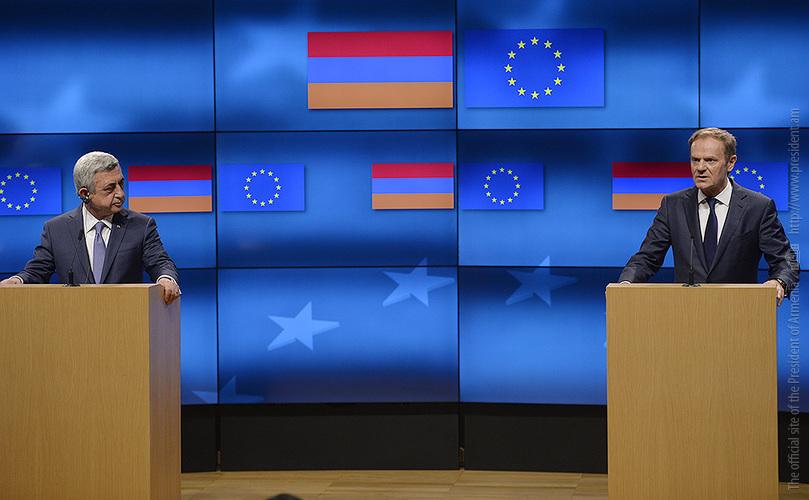 Дональд Туск: Карабахский конфликт требует срочного политического решения