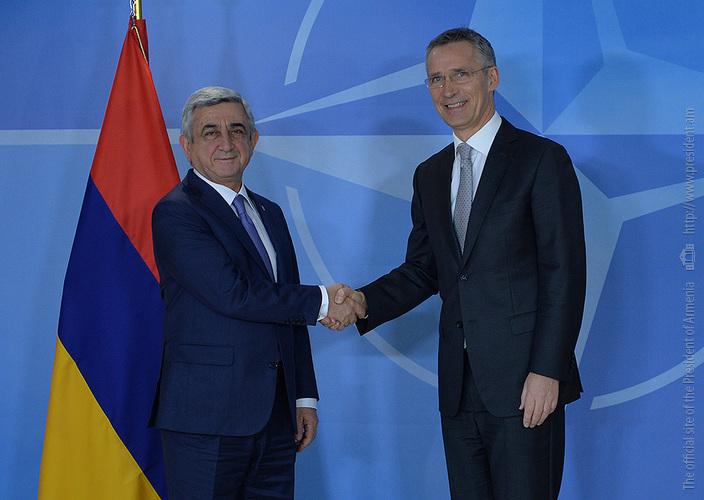 Столтенберг: НАТО привержен работе с Арменией