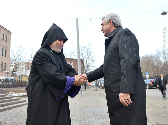 Серж Саргсян посетил резиденцию Московской и Ново-Нахичеванской епархии ААЦ