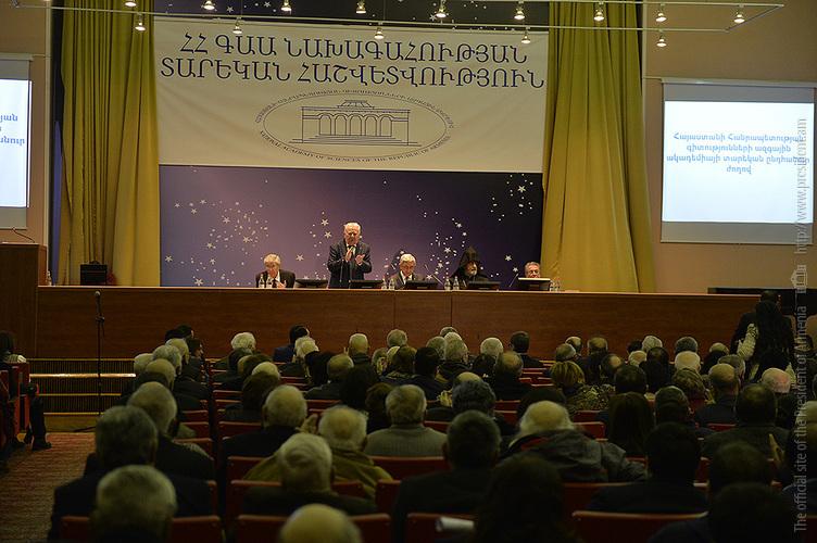 Серж Саргсян: Никто не получает удовольствия от критики, за исключением, пожалуй, мазохистов