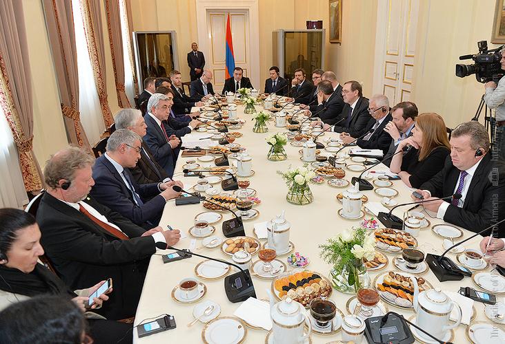 Серж Саргсян на встрече с послами стран ОБСЕ: Апрельские события 2016г. стали уроком не только для Азербайджана