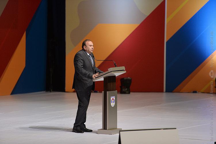 Левон Мкртчян: Дети в Армении должны мечтать о звании офицера, в этом заключается миссия системы образования