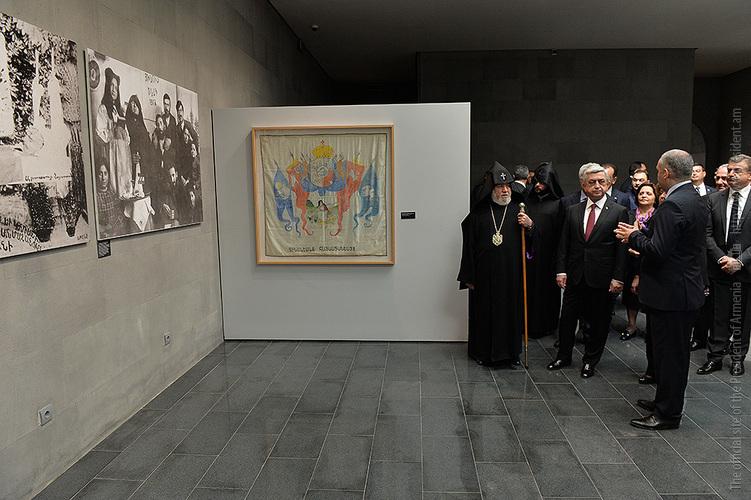 Серж Саргсян посетил Музей-институт Геноцида армян