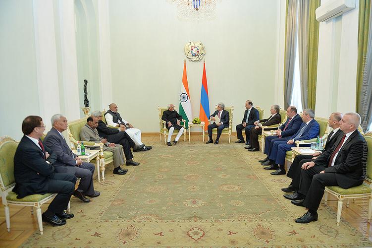 Президента Армении пригласили посетить Индию