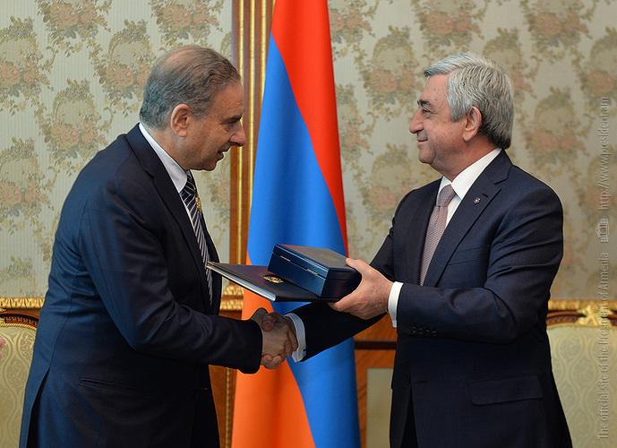 Серж Саргсян наградил государственного министра Ливана Орденом Дружбы
